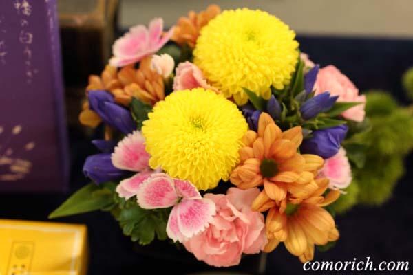 【日比谷花壇】寿製菓「因幡の白うさぎ」とアレンジメントのセット