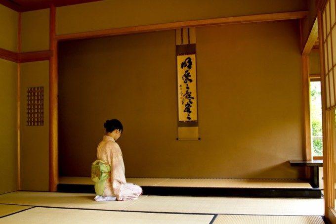 日本人の正座