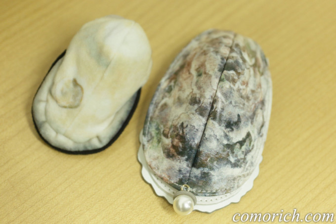 フェリシモ YOU+MORE! 牡蠣そっくり ミラー付きコンパクト